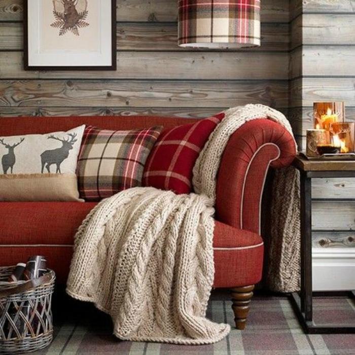 casa preparada para o inverno com decoração em cores quentes e aconchegantes