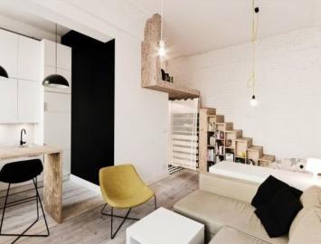 Apartamento de solteiro_pequeno e com decoração prática e funcional.