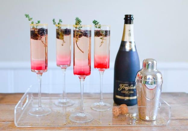 """Martinis, espumantes, caipirinhas, mojitos e outras bebidas alcoólicas  estão no menu  Se a resposta foi """"sim"""" para as duas perguntas, ... aadcdc6ba3"""