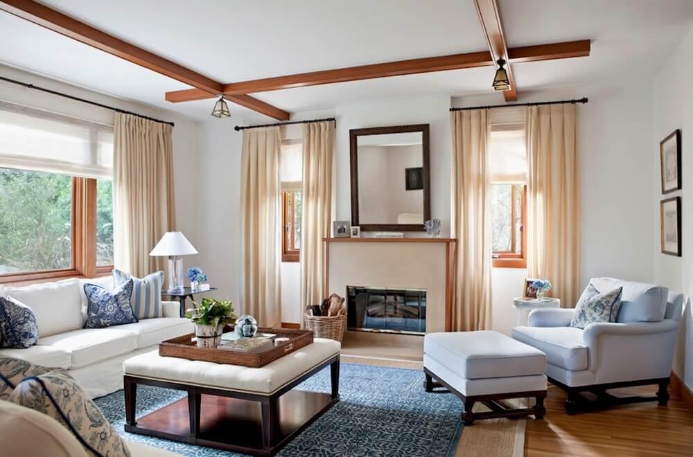 imagem de uma sala classica com poltrona e mesa de centro