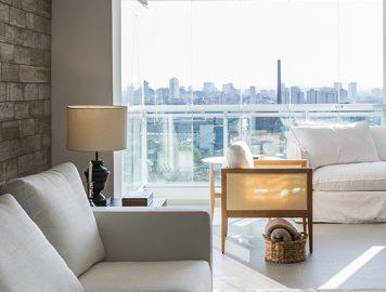 imagem de uma sala de apartamento luxuoso