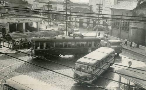 imagem do Largo de Pinheiros nos anos 60