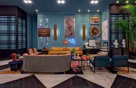 Imagem de uma decoração com cores fortes