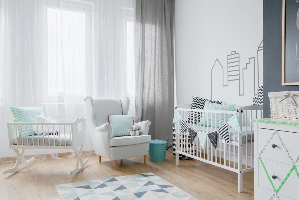 Imagem mostra um quartinho de bebê